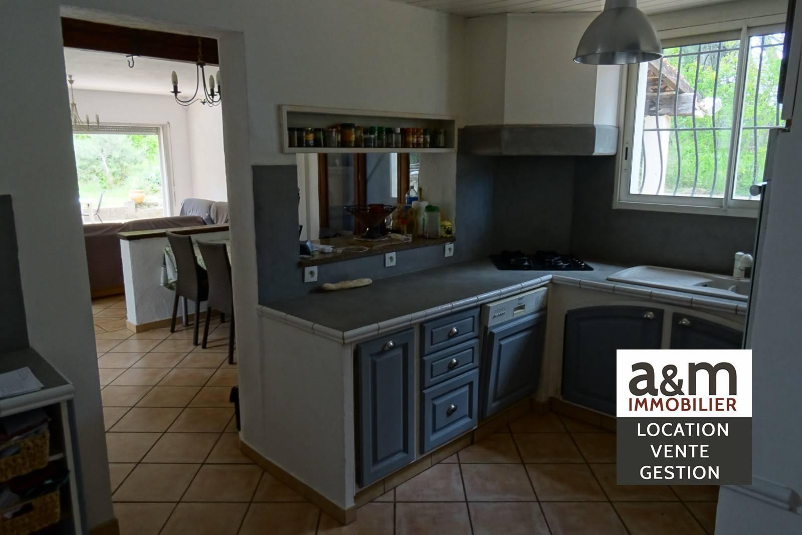 villa t6 plain pied piscine pinede ch teauneuf les. Black Bedroom Furniture Sets. Home Design Ideas